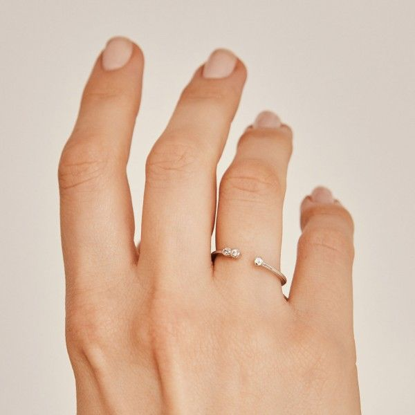 Coco silver ring hand